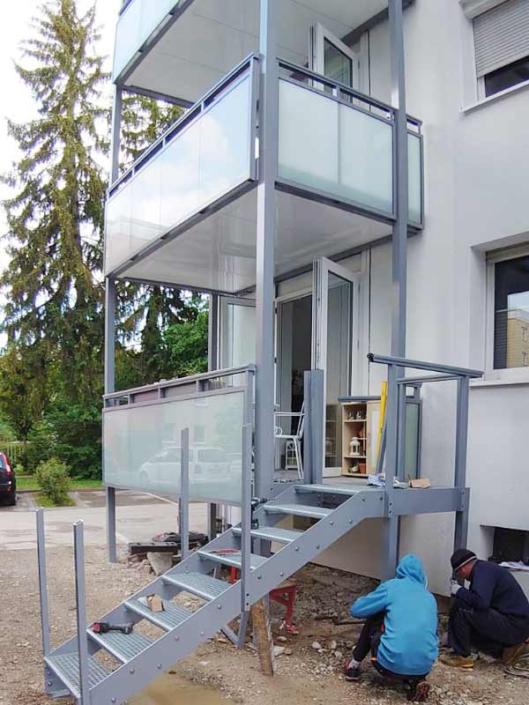 Vorstellbalkone_Treppenabgang